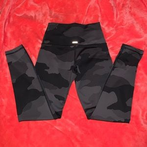Aerie Move Camo Leggings